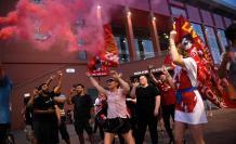 hinchas+Liverpool+Confinamiento+Festejos
