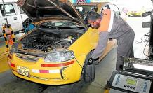 Medidas. Tener buenas condiciones mecánicas es uno de los requisitos de los taxis para aprobar el censo.