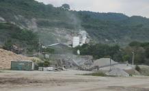 Canteras en vía a la costa causan malestar en los moradores.