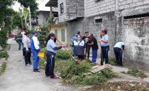 Los moradores realizaron una minga para limpiar sus espacios de recreación.
