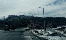 La nevada ocasionó que varios tramos de la ruta quedaran congelados.