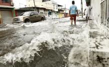 Lluvias causan inundaciones en las calles de Guayaquil. 20 de febrero de 2018.