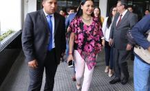 Diana Atamaint, presidenta del CNE y José Cabrera se reunieron para analizar depuración en el padrón electoral.