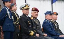 El ministro de Defensa Oswaldo Jarrín, presentó a los nuevos jefes del Comando Conjunto y de la Fuerza Terrestre Luis Lara y Luis Altamirano.