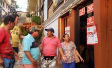 Propietarios rechazan la decisión de que hayan cerrado algunos locales del Cerro Santa Ana.