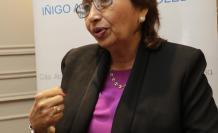 Blum es médico nefróloga y miembro de la Sociedad Ecuatoriana de Nefrología y de la Sociedad Española de Nefrología. También es especialista del grupo hospitalario Kennedy.