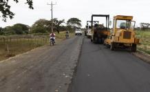 Vía Macul-El Carmen. Aunque desde fines de septiembre la contratista retomó las tareas de asfaltado, no hay fecha para la conclusión de la obra.