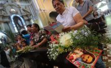 Misas campales y una serie de procesiones se realizaron este domingo 14 de abril.