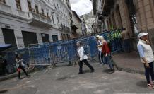 Imagen del 4 de octubre de 2019. Las protestas registradas en Quito, tras el anuncio de medidas económicas por parte del Gobierno Nacional, dejan secuelas en el Centro Histórico.
