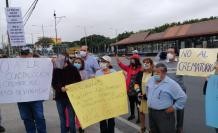 Guayaquil. En la ciudadadela 9 de Octubre, moradores rechazaron la construcción de un crematorio en la zona, pues temen que podría afectar su salud.