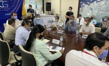 Vicente Taiano, en la reunión con los miembros del COE cantonal, este 3 de agosto.