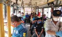 Escenario. Los usuarios están obligados a usar mascarillas en los buses.