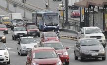 Los conductores de vehículos critican la medida de hacer exclusivo el carril.