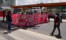 Sectores sindicales y universitarios salieron a las calles de Quito.
