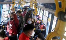 El fin del estado de excepción provocó aglomeraciones en Quito.