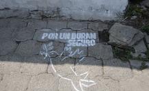 Con esta señal se llama a la paz en los lugares donde hubo muerte violenta.