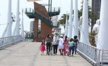 En Guayaquil, las autoridades decidieron cerrar el malecón Simón Bolívar durante el feriado.