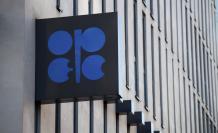 El logotipo de la organización de la Organización de Países Exportadores de Petróleo (OPEP) en su sede en Viena (Austria).