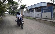CENTRO DE SALUD DE RECINTO LOS QUEMEMADOS ABANDONADO (1)