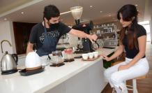 La cafetería Coffee Relief funciona dentro del Hotel Quito.