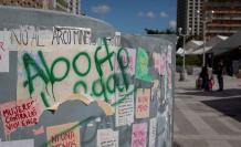 """Fotografía que muestra un grafiti que dice """"Aborto legal"""" en una pared el 16 de enero de 2020, en Caracas (Venezuela)."""