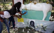 una manifestación en conmemoración de la niña Maira Alejandra Orobio, asesinada con signos de tortura y abuso sexual el pasado lunes en Guapi, departamento del Cauca (Colombia).