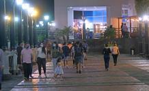 Puerto Santa Ana llama a caminantes y atrae por sus locales diversos.