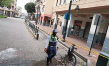Así se observaba la mañana y tarde de ayer la tradicional estación de la cooperativa Exxon, en la calle Víctor Manuel Rendón, junto al parque Centenario.