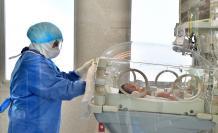 Un análisis realizado al cordón umbilical mostró que la niña había nacido con anticuerpos de la covid-19.