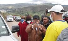 Delfín Quishpe, alcalde de Guamote, impide el paso al candidato Guillermo Lasso, 2 abr. 21