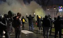 Protest after officer-(33190500)