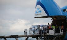 Llega cargamento de vacunas a Ecuador.
