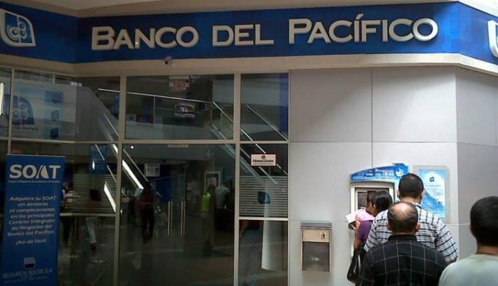 banco-pacifico-ecuador-local-oficina