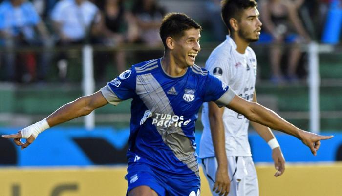 Figura. Facundo Barceló, atacante uruguayo de Emelec, marcó dos goles en Bolivia.