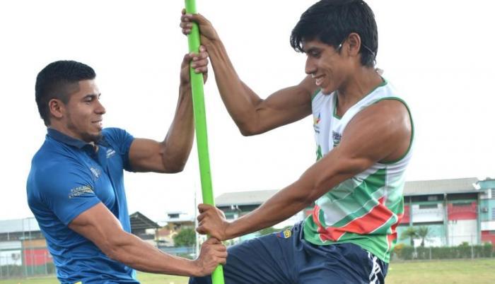 thumbnail_Los hermanos Jose (i) y Dyander Pacho viajaron para competir en Mexico