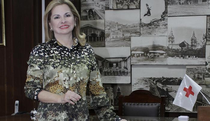 Teresa Farah de Aurea