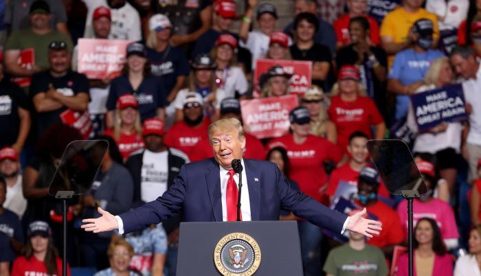 Donald Trump Holds Ca (31942655)