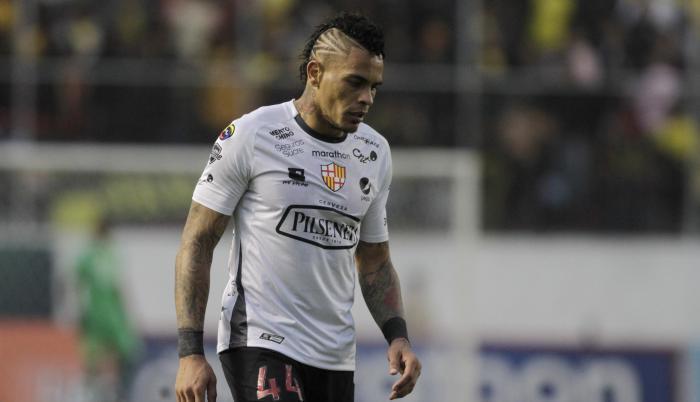 Alvez-jonathan-barcelona-futbolista