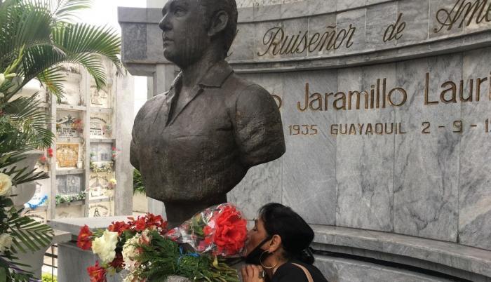 julio jaramillo homenaje cementerio