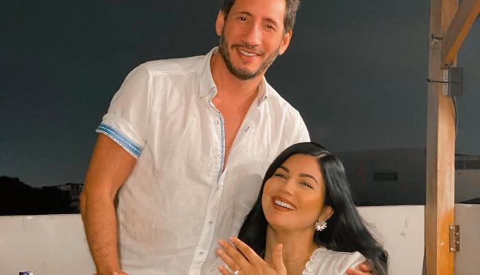 AU-D con su novia Gisella Flores