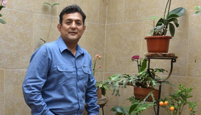 Desde su casa, en Quito, el político respondió las preguntas para EXPRESIONES.
