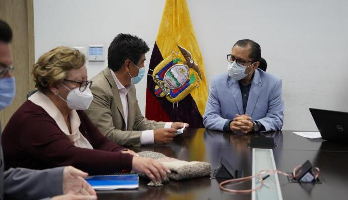 Jorge Yunda se reunió con el ministro de Salud, Mauro Falconí.
