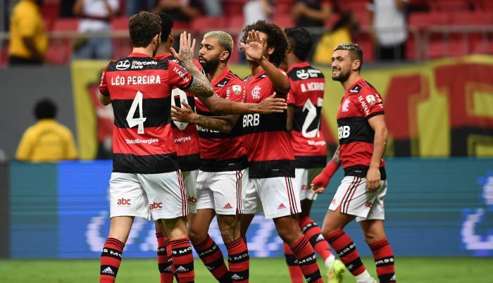 Flamengo jugara sus partidos con suplentes
