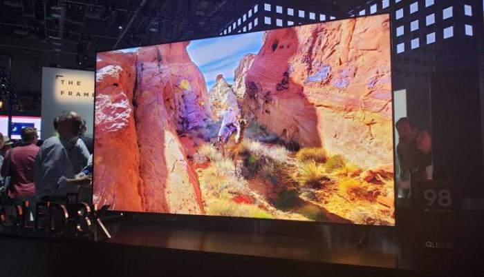 La resolución 8K comienza a ponerse a la moda y el Q900FN QLED de Samsung se lleva las miradas en el CES