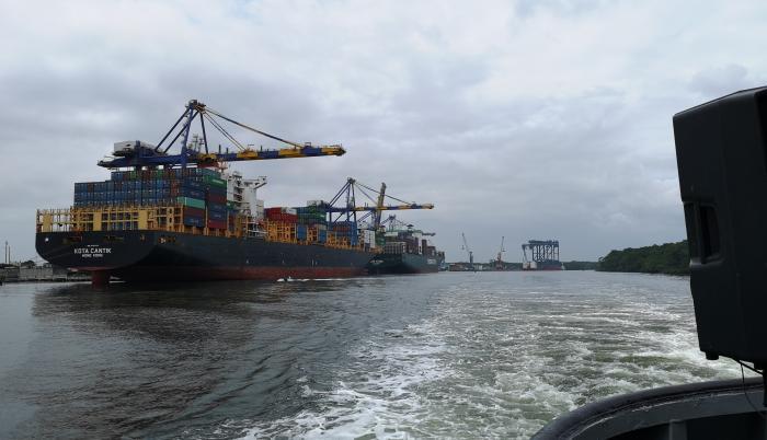 brecha en los no petroleros puerto