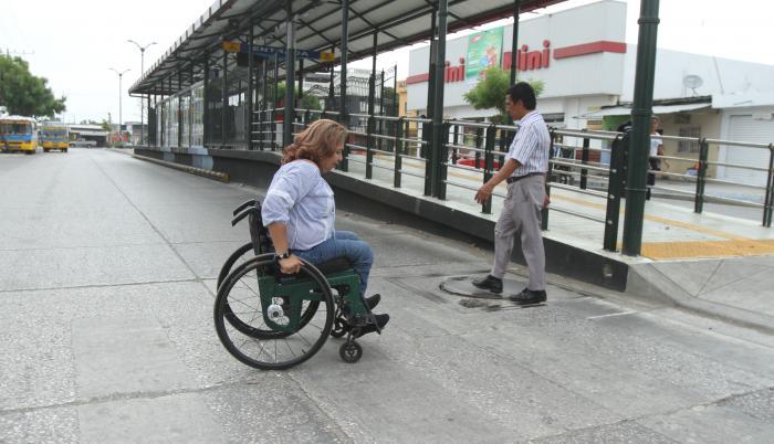 metrovía adeuda mejoras inclusión discapacidad