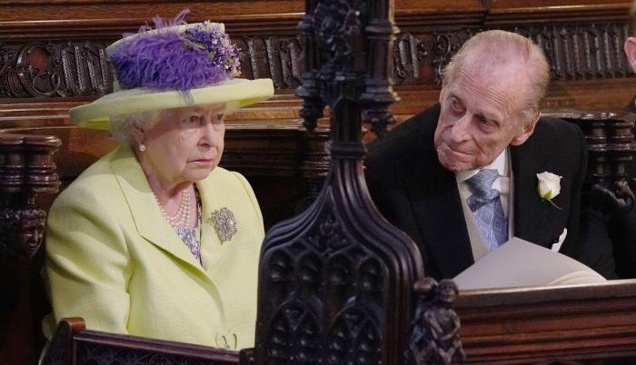 Reina Isabel II y Felipe