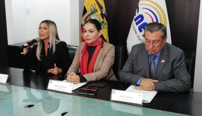 La presidenta del CNE, Diana Atamaint