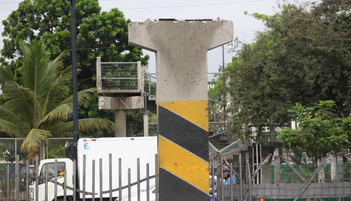 Puente peatonal avenida Las Américas