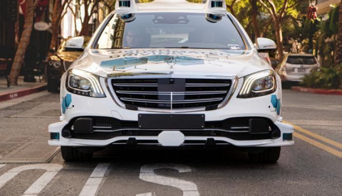 autonomos-taxis-mercedes